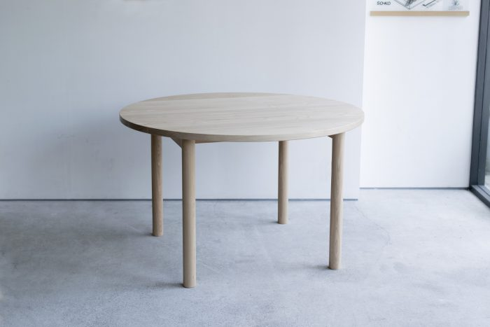 STANDARD TABLE R / ROUND