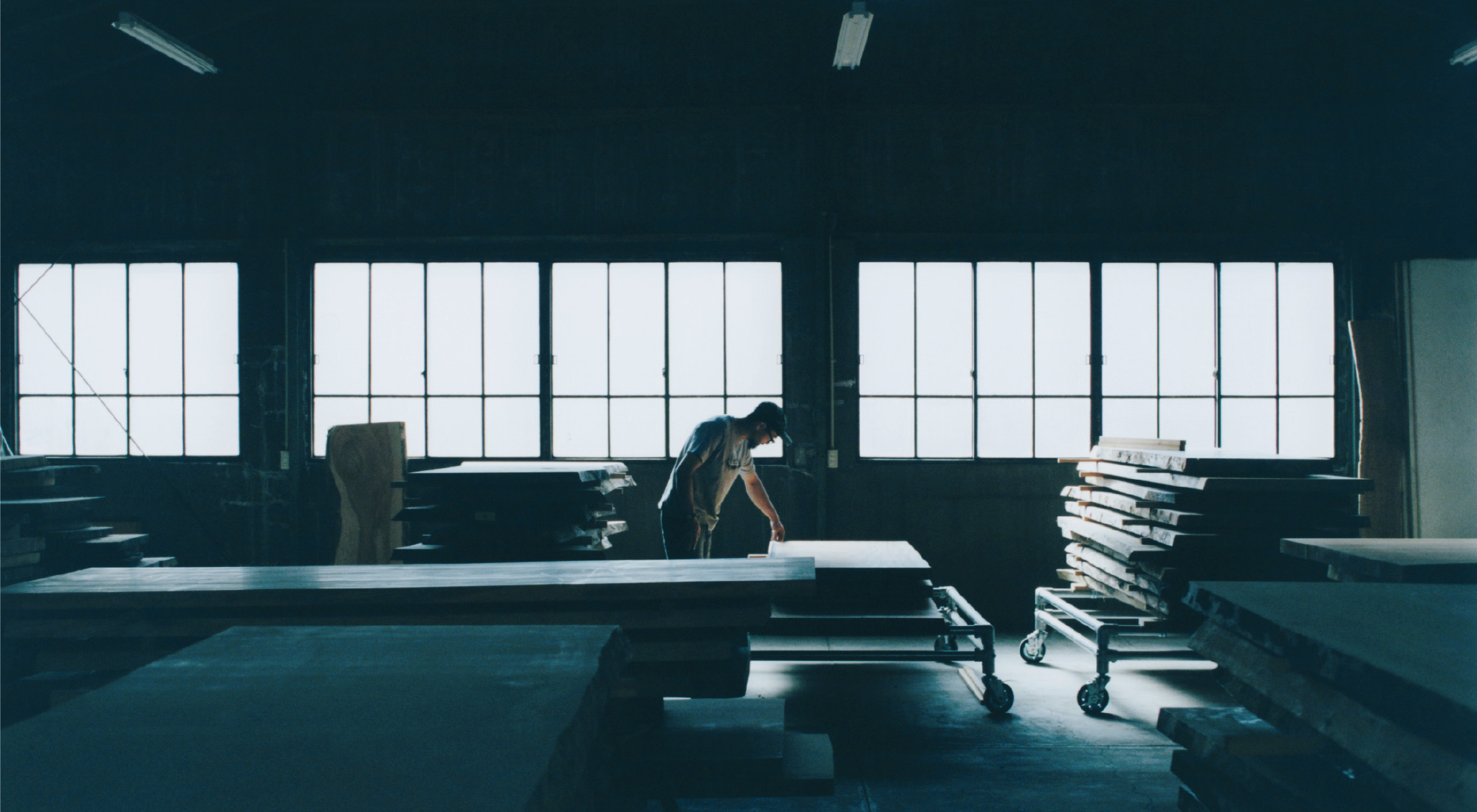 無垢天板倉庫(SO-KO)