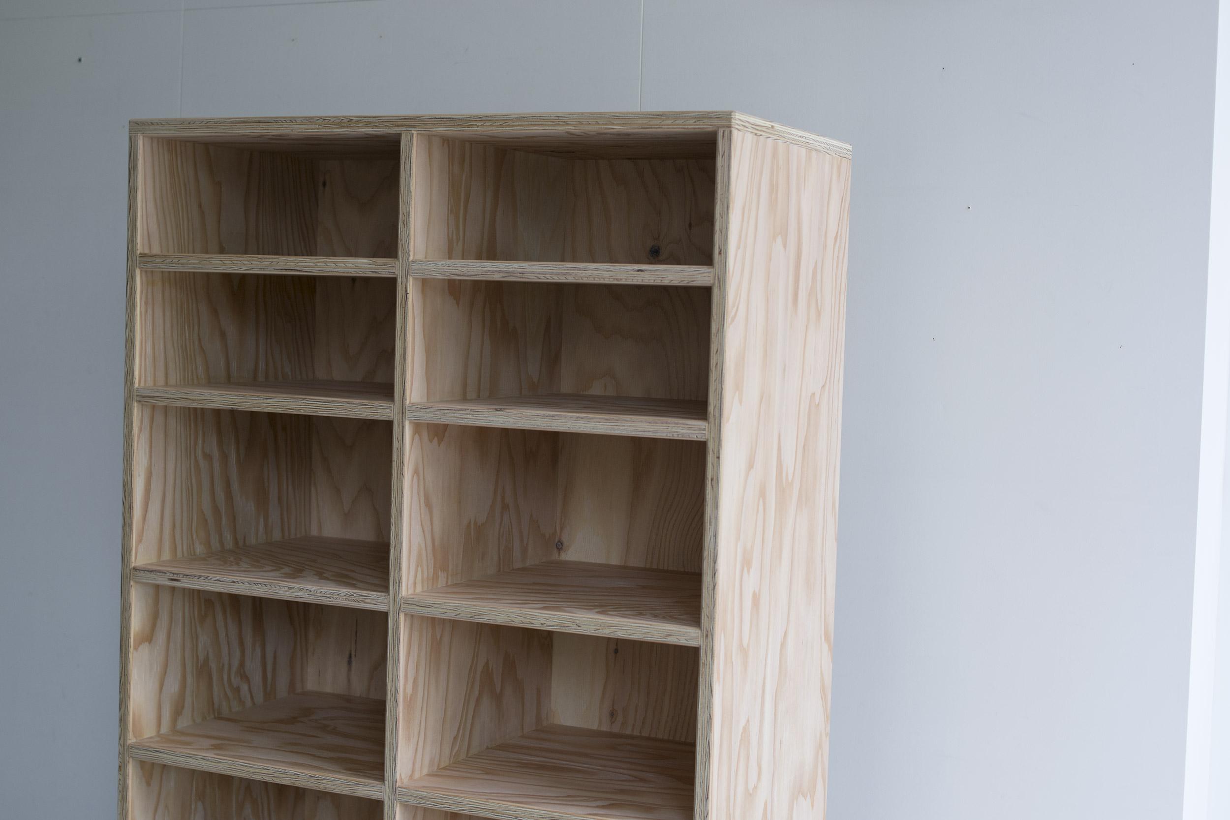 押し入れ収納 ラーチ合板の収納棚
