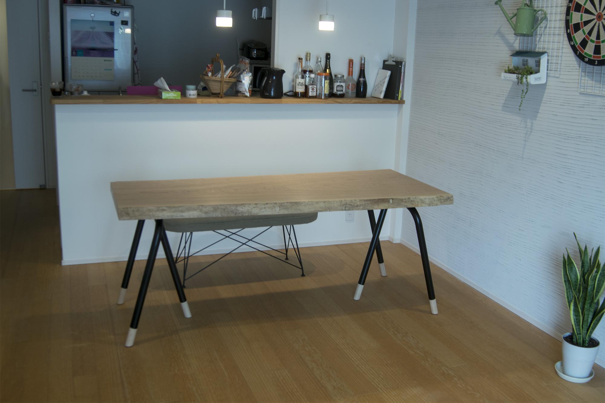 タモ一枚板天板ダイニングテーブル ご納品の様子