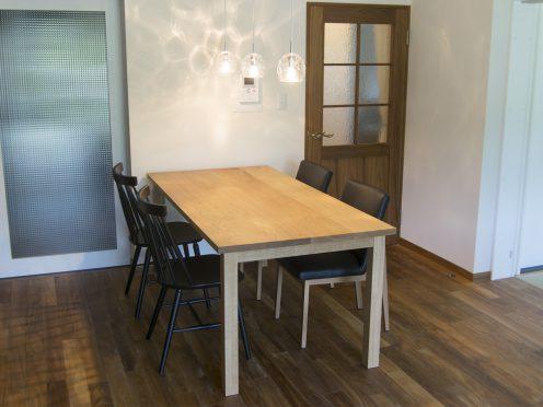 ナラ材スタンダードテーブル・タイプ1 ご納品の様子