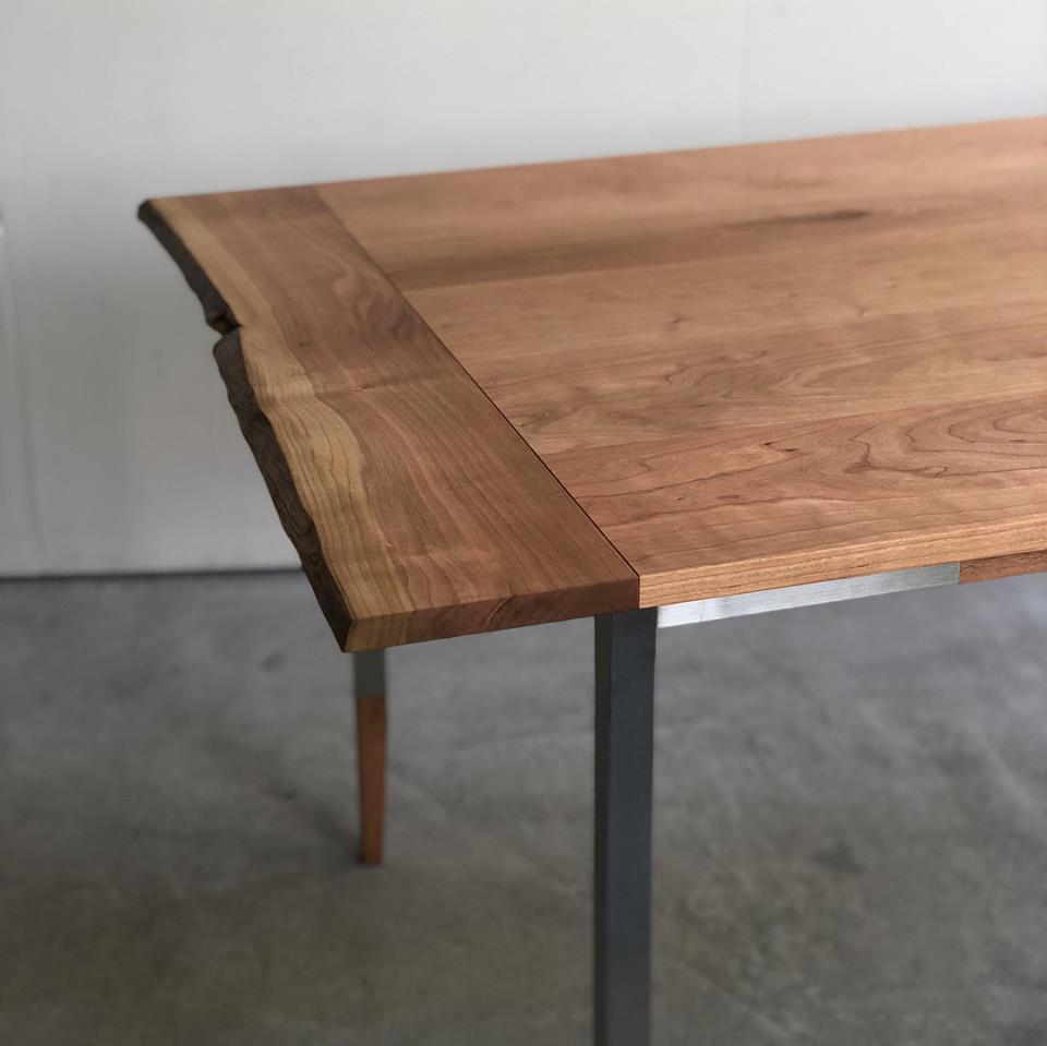 アメリカンチェリー材天板 オルタナティブテーブル 端喰(はしばみ)あり