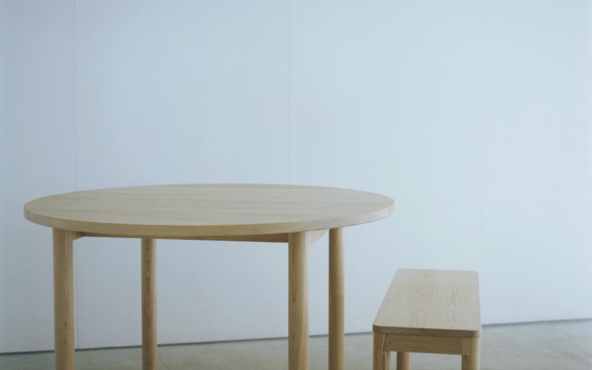 WOODWORKの木のテーブル