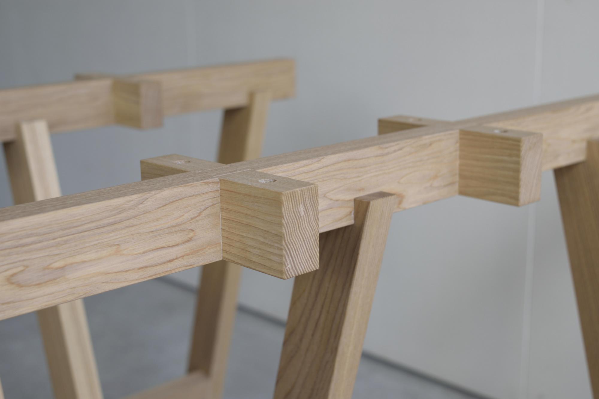 木製ウマ型脚部