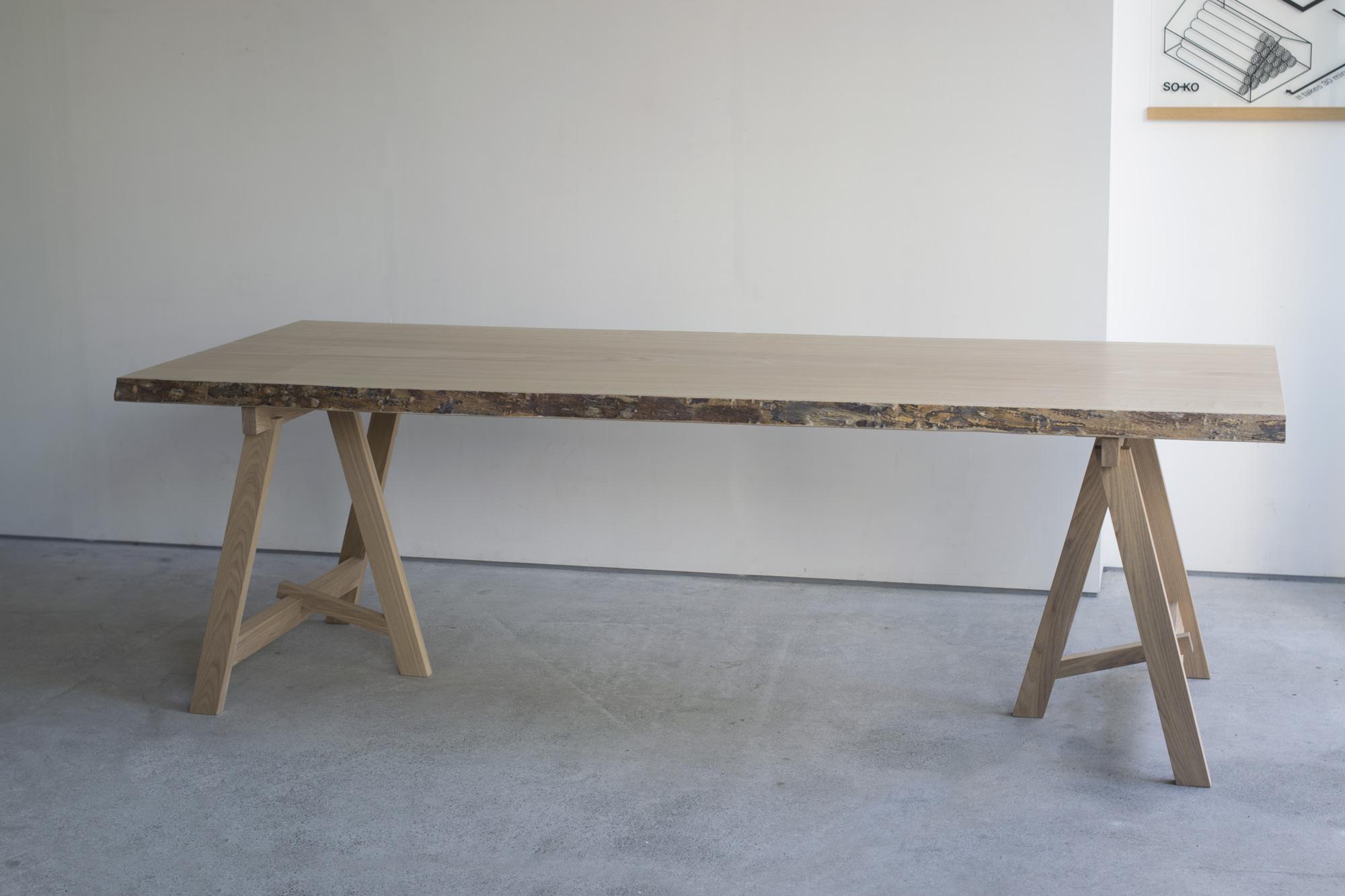 タモ一枚板天板ダイニングテーブル