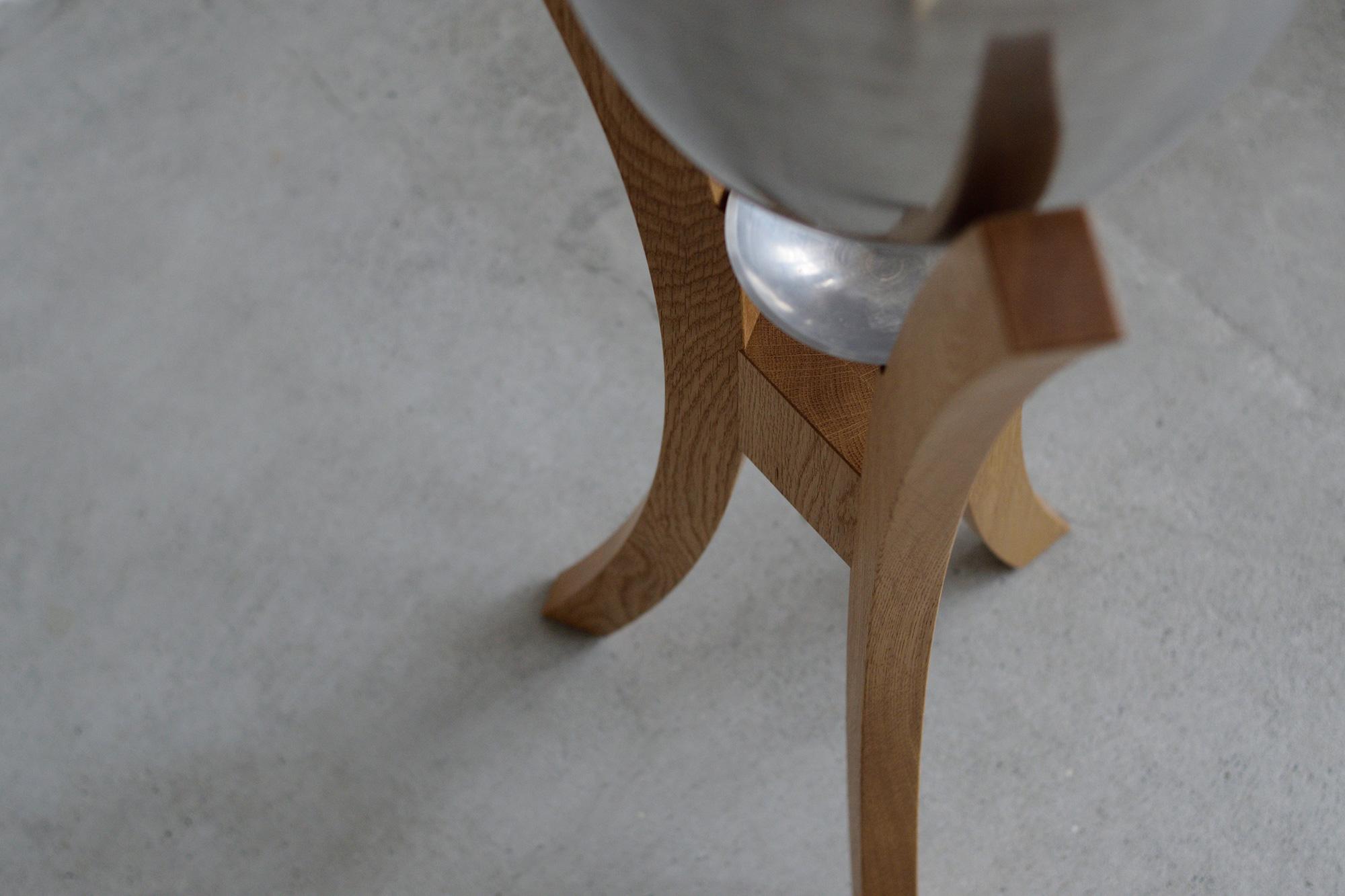 脚のカーブ
