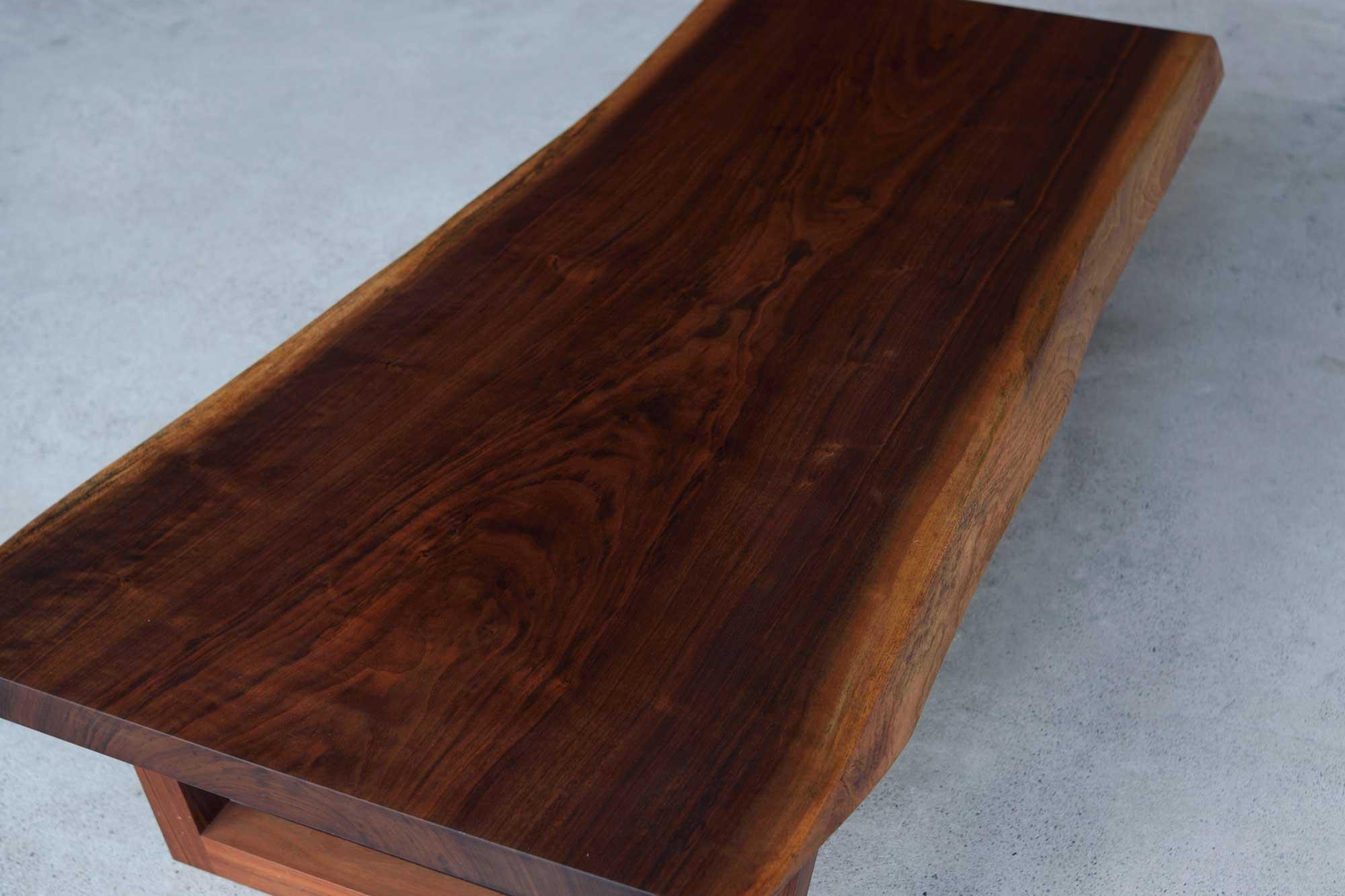 ウォールナット一枚板ローテーブル