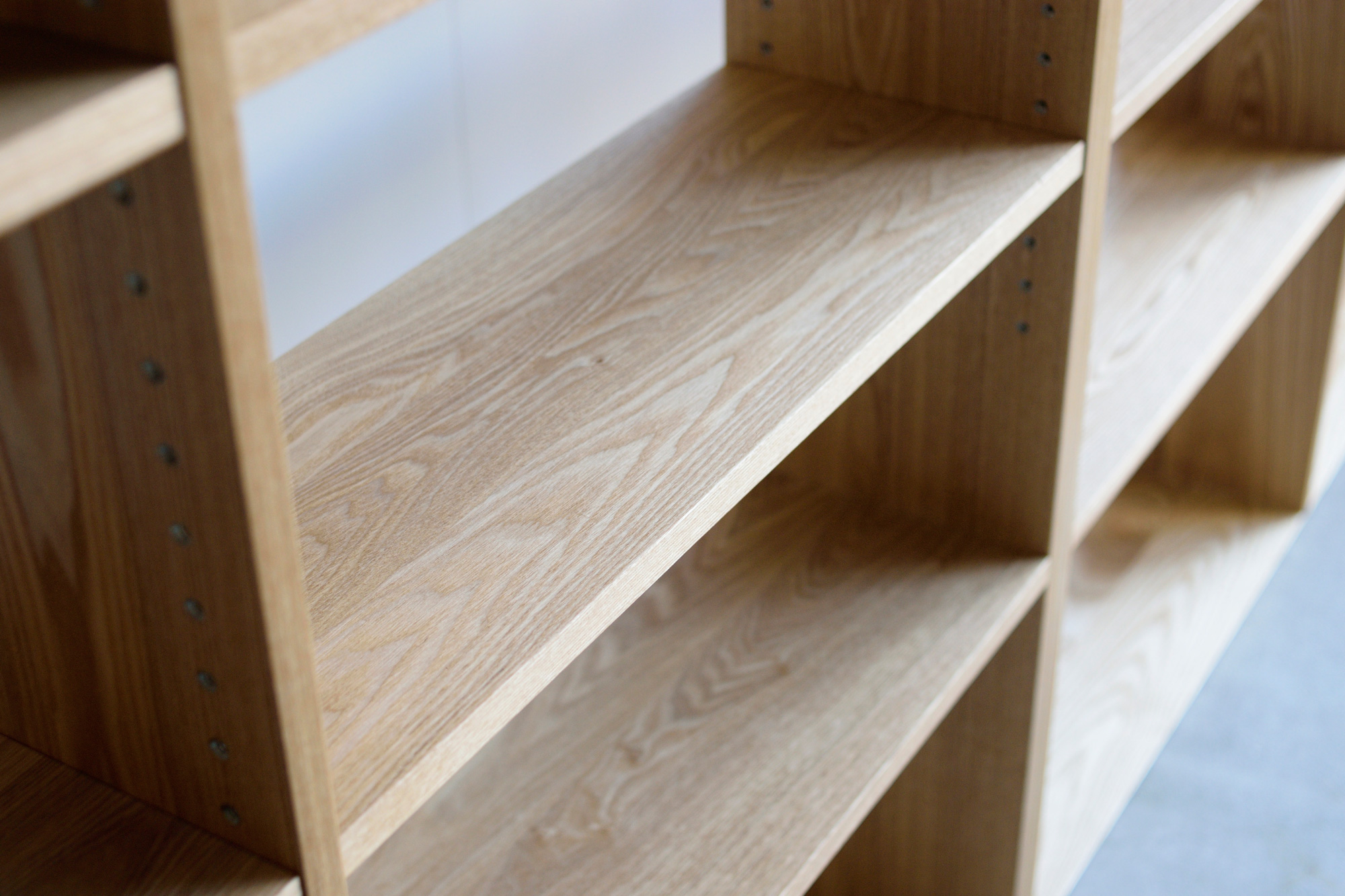 TANA壁一面の本棚(タモ材)