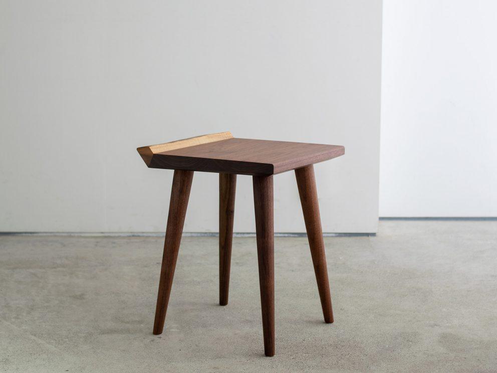 MiMi stool (ミミスツール)
