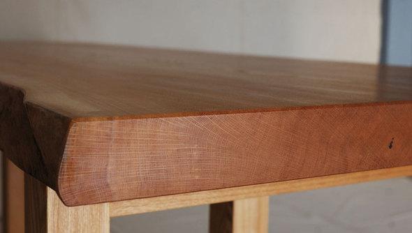 ナラ一枚板木口年輪の画像です